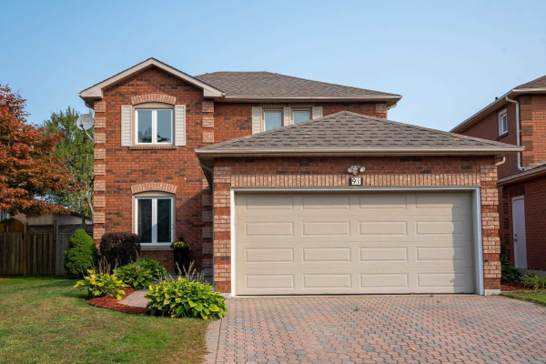 91 Prentice Dr, Whitby