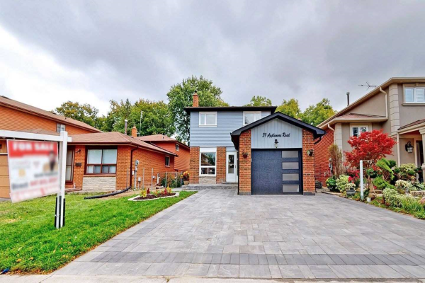 39 Applemore Rd, Toronto