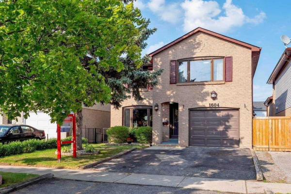 1604 Orion Crt, Pickering