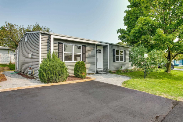 40 Bluffs Rd, Clarington