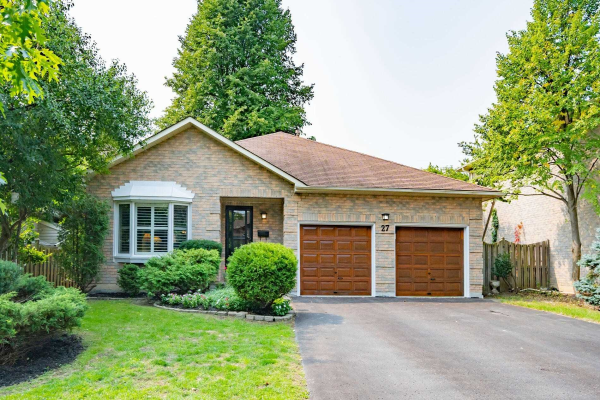 27 Fernway Cres, Whitby