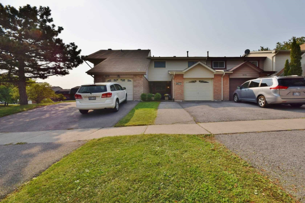 1677 Dreyber Crt, Pickering