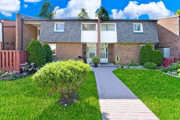 107 Dovedale Dr N, Whitby