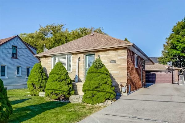 655 Rougemount Dr, Pickering