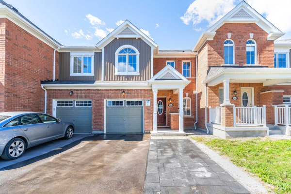1002 Reflection Pl, Pickering