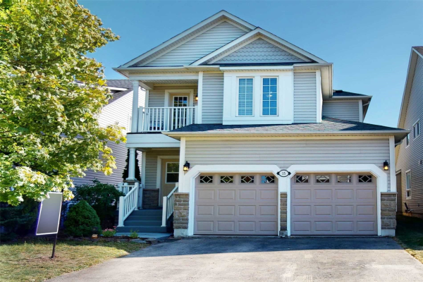 15 Mikayla Cres, Whitby