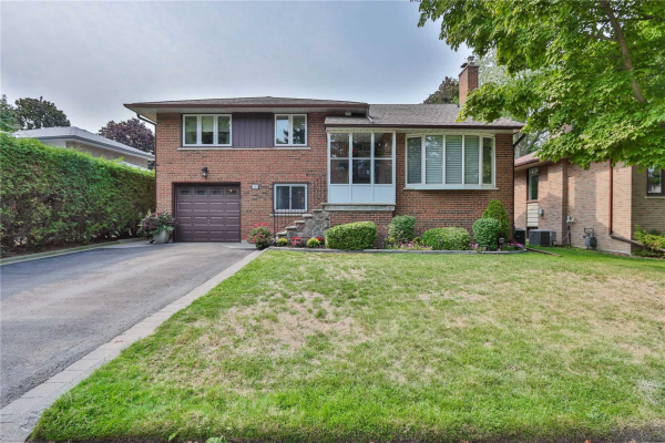 48 Cathedral Bluffs Dr, Toronto