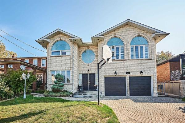 135 Maybourne Ave, Toronto
