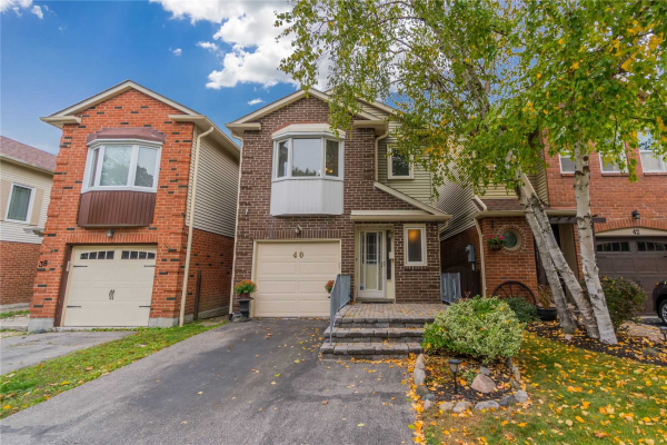 40 Rosseau Cres, Whitby