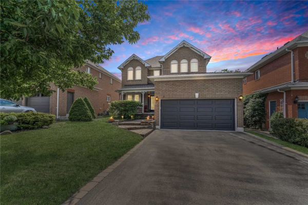 3 Gilchrist Crt, Whitby