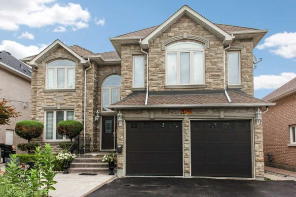 1789 Pine Grove Ave, Pickering