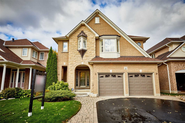 53 Pebblebrook Cres, Whitby