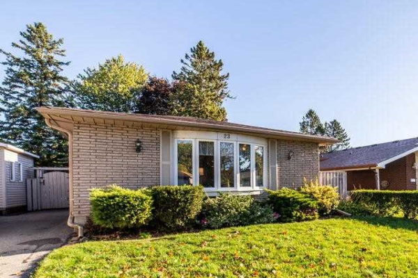 23 Turnbull Rd, Ajax