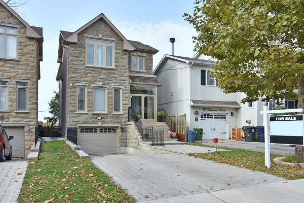 66 B Westbourne Ave, Toronto