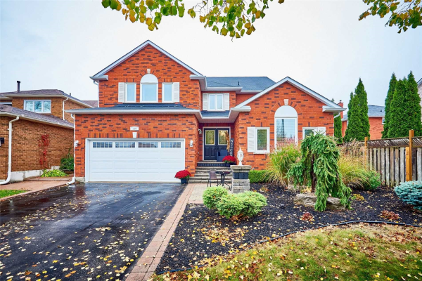 129 Robert Adams Dr, Clarington