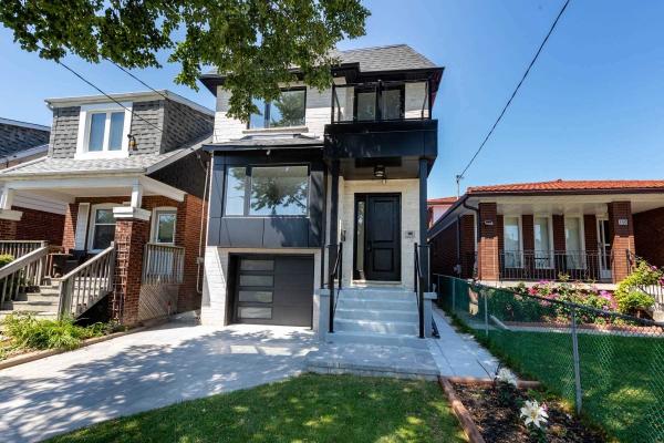 148 Aldwych Ave, Toronto