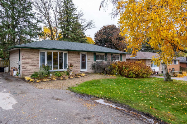 657 Sunset Blvd, Clarington