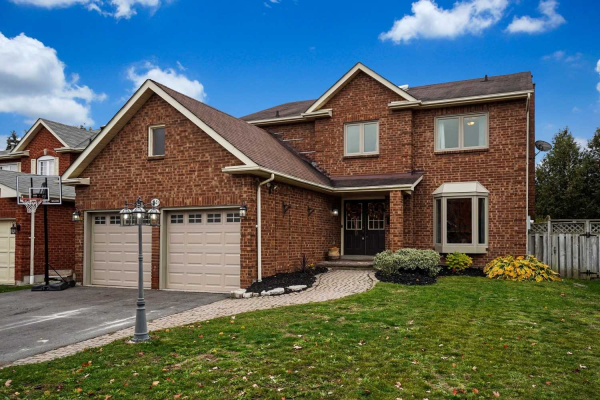64 Fifewood Cres, Whitby