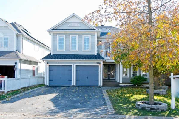 39 Apsley Cres, Whitby