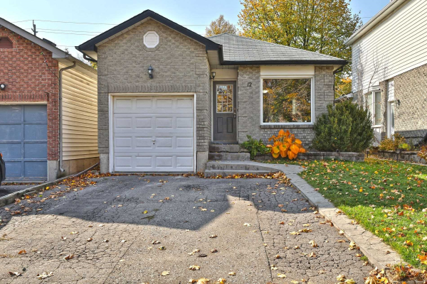 12 Mcfeeters Cres, Clarington