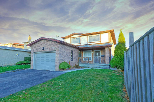 46 Woodward Cres, Ajax