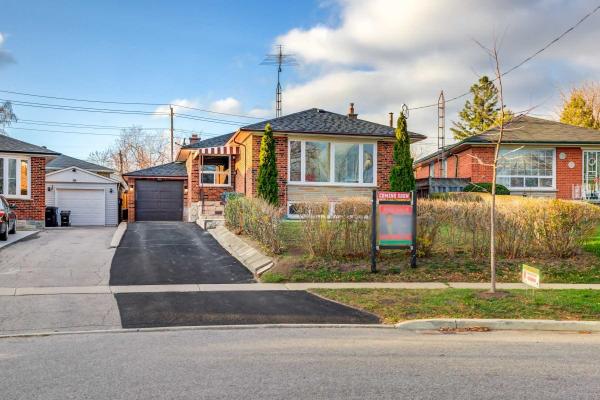 46 Jeffton Cres, Toronto