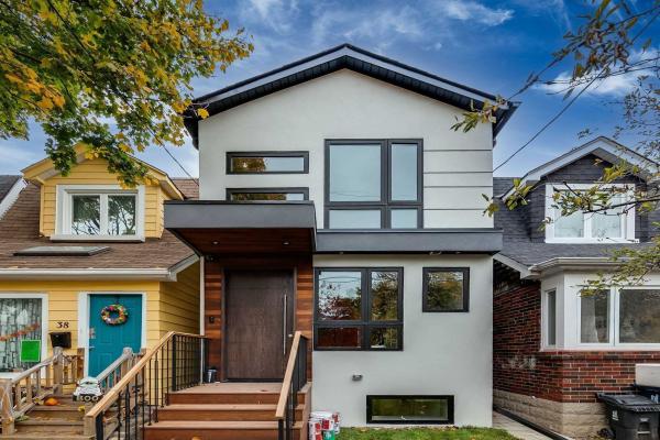 40 Aldwych Ave, Toronto