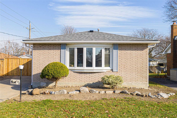 140 Burcher Rd, Ajax