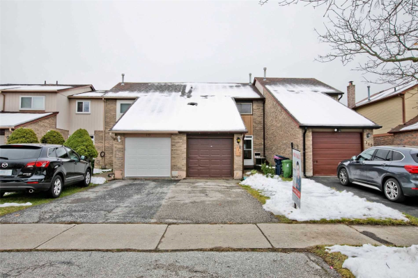 117 Valley Stream Dr, Toronto