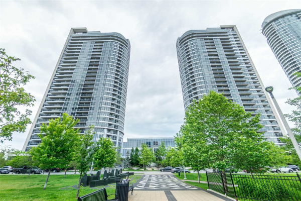 151 Village Green Sq, Toronto