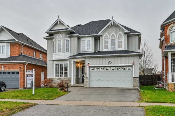 137 Brookhouse Dr, Clarington
