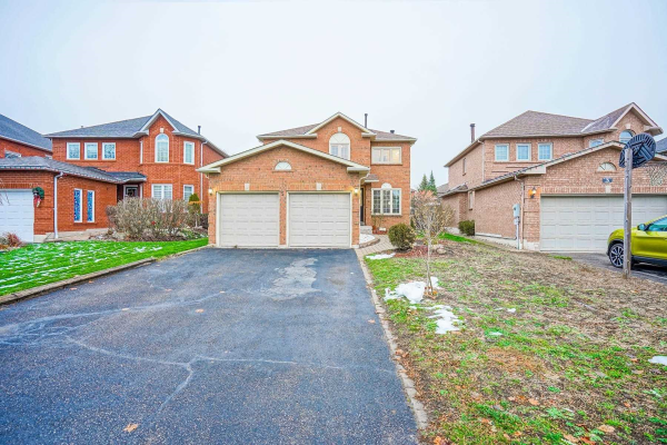 5 Watersdown Cres, Whitby