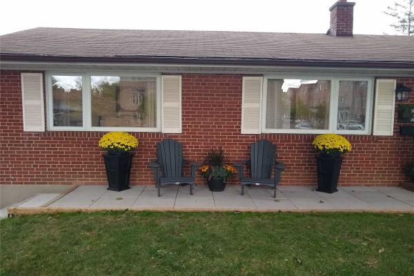 2 Botany Hill Rd, Toronto