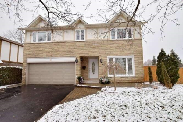 47 Trinity Cres, Whitby