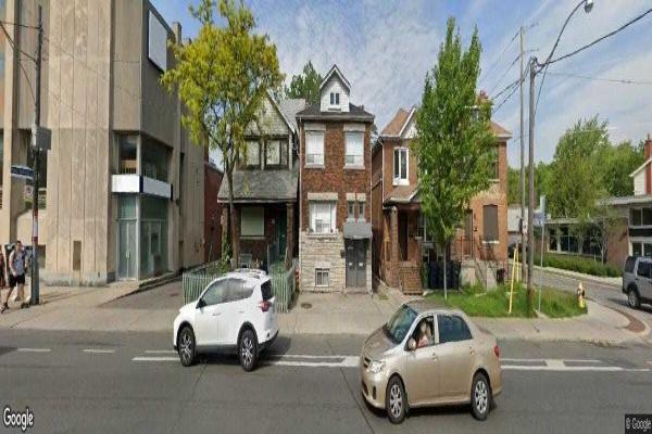 992 Woodbine Ave, Toronto
