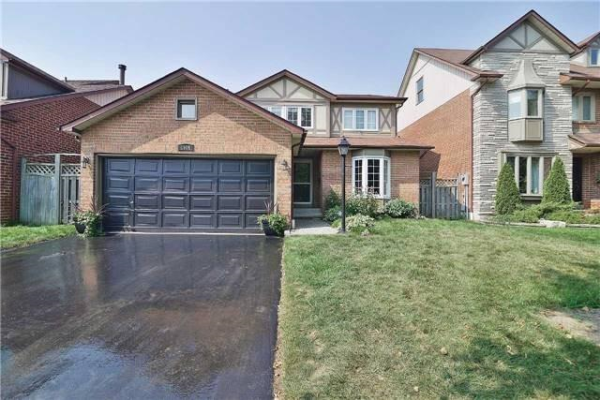 1506 Silver Spruce Dr, Pickering