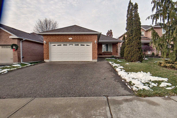 20 West Side Dr, Clarington