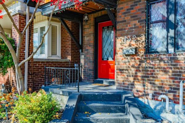 132 Hopedale Ave, Toronto