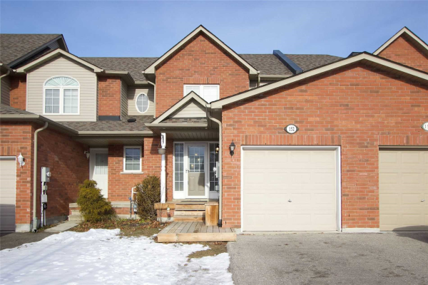 152 Richfield Sq, Clarington
