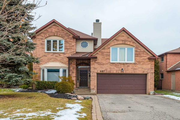 607 Chartwell Crt, Pickering