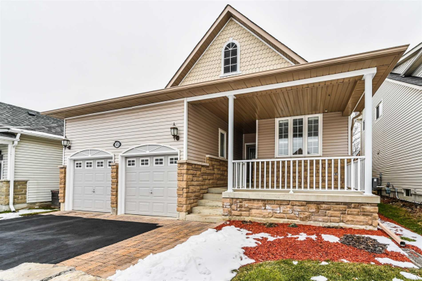 43 Mikayla Cres, Whitby