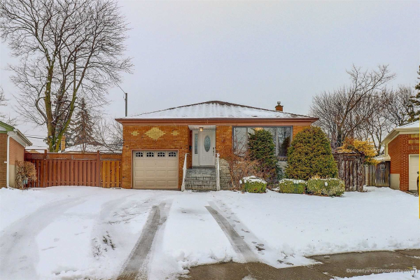 48 Kidbrooke Cres, Toronto