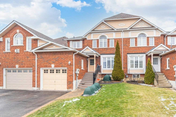 22 Chesham Crt, Ajax