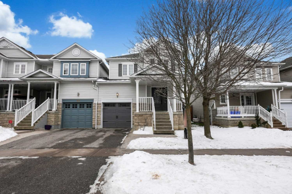 9 Corianne Ave, Whitby