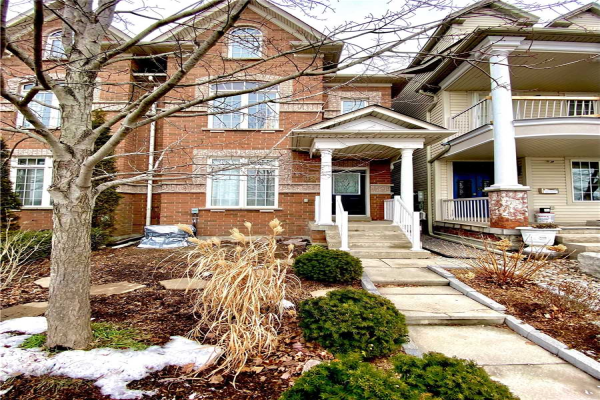 49 Ted Reeve Dr E, Toronto