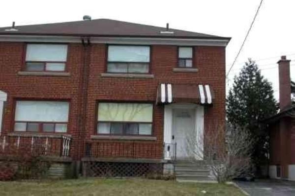 15 North Bonnington Ave, Toronto
