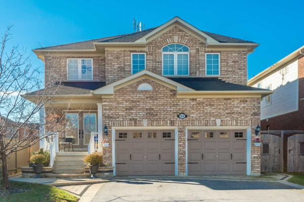 55 Belfountain Dr, Whitby