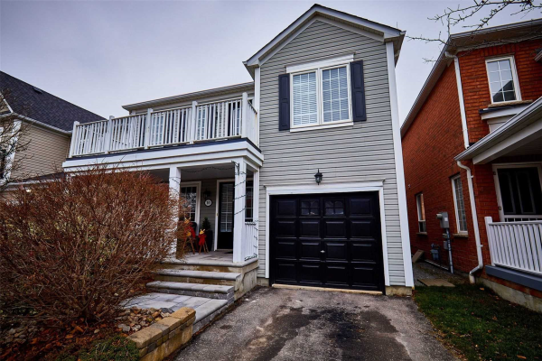 10 Handley Cres, Ajax