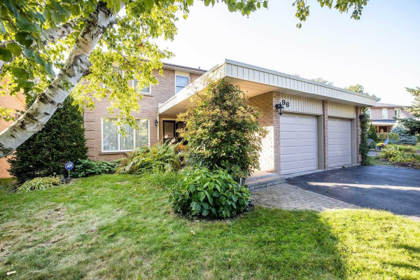 96 Grath Cres, Whitby