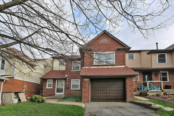 153 Kirby Cres S, Whitby
